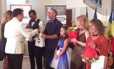"""Concert emoționant la Palatul Cultural Lupeni, în """"Fabrica de pian"""""""
