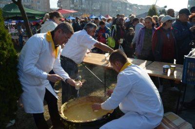 Târgul de Produse Tradiționale de la Petroșani, o adevărată zi a Recoltei