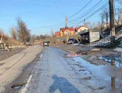 Gropile de pe drumurile din Vulcan vor fi peticite după 15 martie