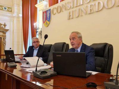 Bugetul CJH adoptat în unanimitate de consilierii județeni