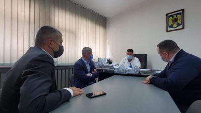 Se caută soluții pentru deblocarea problemelor de la Secția Neonatologie a Spitalului de Urgență din Petroșani