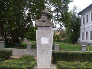 Bustul lui Calistrat Hogas Tecuci