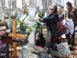 Slujba de pomenire la mormântul regretatului poet Dionisie Duma
