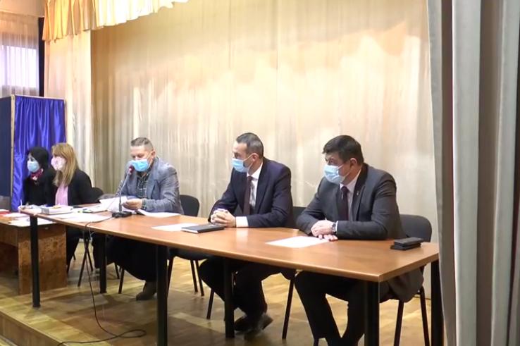 Consiliul local convocat în şedinţă