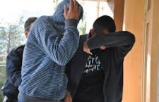 Prin ameninţări şi violenţe, patru tineri solicitau victimelor bani şi alte bunuri ce puteau fi valorificate