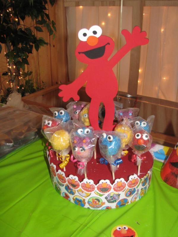 Sesame Street Elmo- Cake Pop - Cupcake