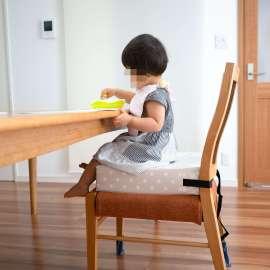 子どもにも安心。椅子の高さを調整できるクッションが安定感抜群。