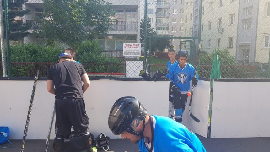 Hokejbal - Ziegelfeld vs AHK Pekníková - semifinále BHBL 2017/2018