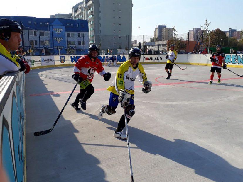 Hokejbalový zápas HBK Board Vrakuňa vs Barbari Bratislava