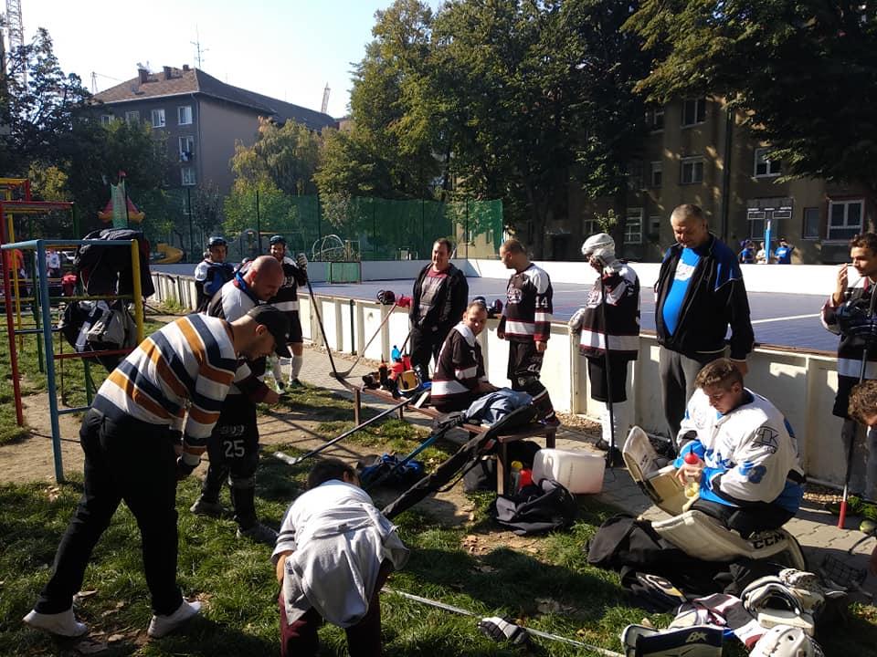 Hokejbalový zápas HBK 500 Nivy vs SAV Lamač