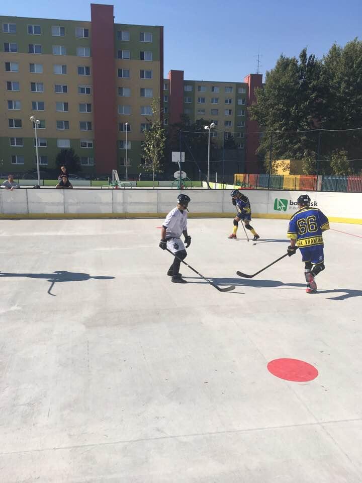 Hokejbalový zápas HBK Ramiland Vrakuňa vs Black Diamonds