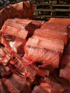 liściaste Drewno opałowe wworkach.