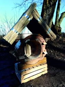 domek-225x300 Miód z ekologicznej pasieki