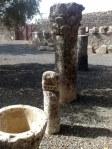 Kamień milowy wskazuje, że Kafarnaum znajdowało się na znanym szlaku handlowym, musiało być więc często nawiedzane przez kupców.