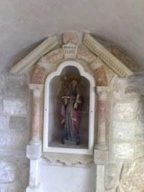 Prorok Eliasz, figurka przy grocie mlecznej.