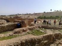 i zjawiamy się w innej części miasta, w Jerychu epoki Herodiańskiej. Musiał zatem i w tych okolicach przebywać Chrystus.