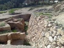 Choć mury 2000 lat później już się pojawiły.