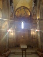 Wewnątrz kościoła pozostało już mało fresków z tamtej epoki.