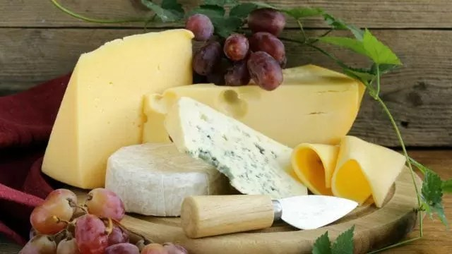 10 Cheesy Facts About the Cheddar Cheese That Came From England 1