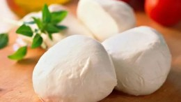 10 Cheesy Facts About the Mozzarella Cheese That Came From Italy 9