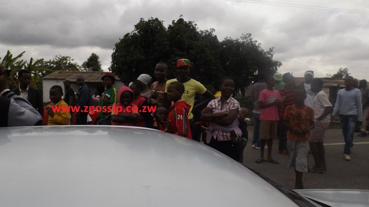 Chaos in Fio after dead baby is found in a sewage manhole - PHOTOS