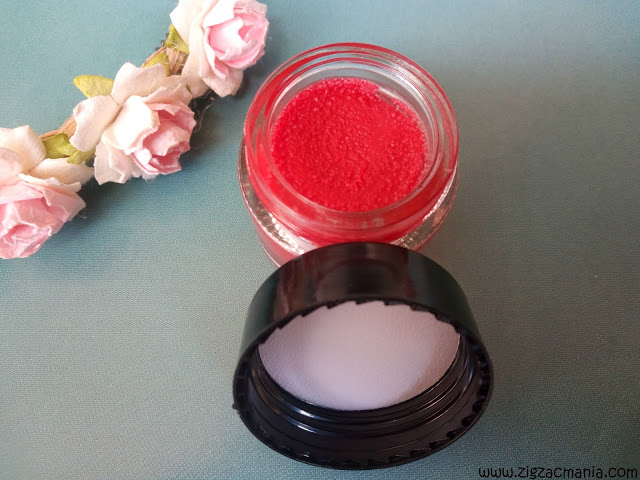 How to use lip balm