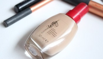 Avon Extra Lasting Liquid Foundation|Review