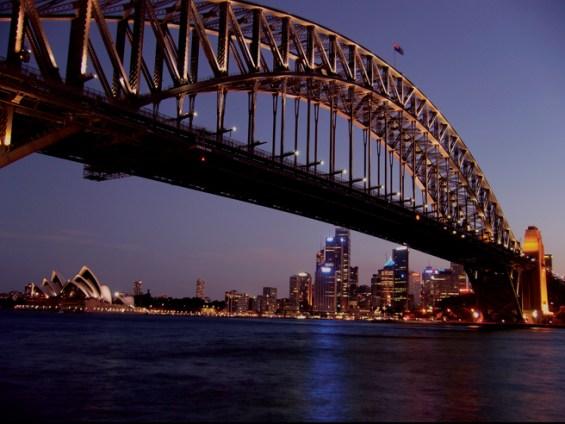 Sydneybynightzigzag.jpg
