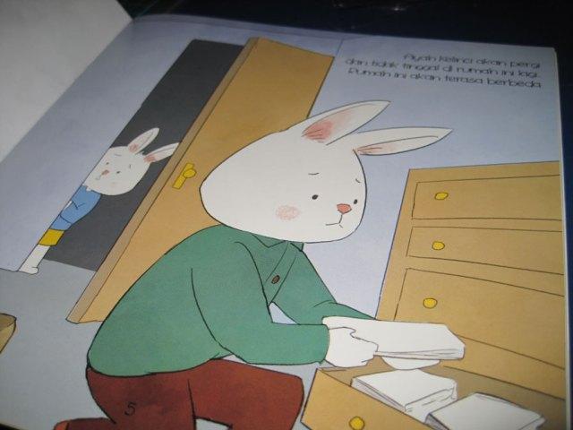 Buku terbitan Arkea yang berjudul Kami Tetap Menyayangimu, Kelinci Kecil karya Denia Putri Prameswari