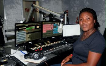 Roseline Mutare in studio