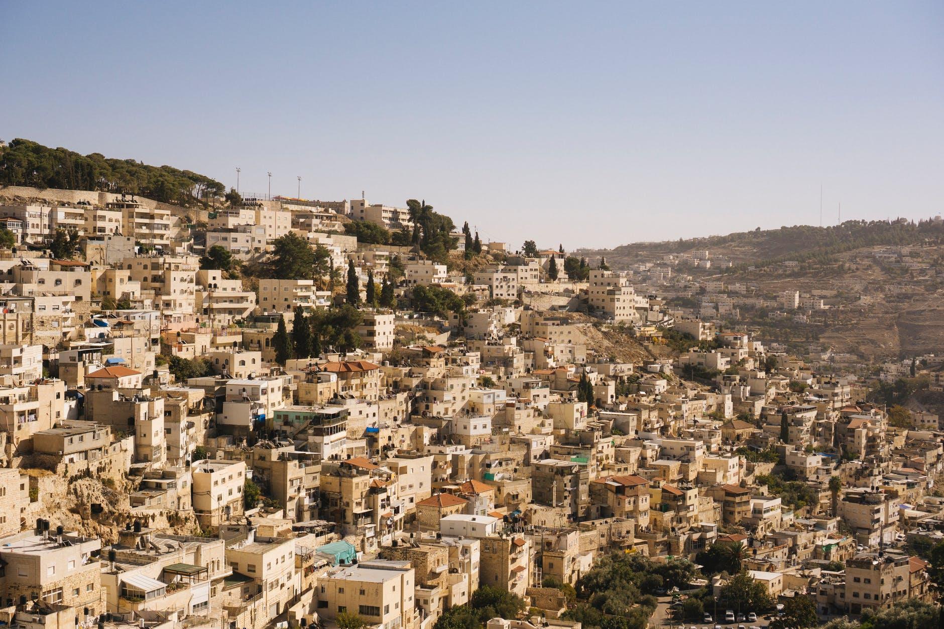 צימרים יוקרתיים בירושלים לזוגות ומשפחות באוויר צלול כיין.