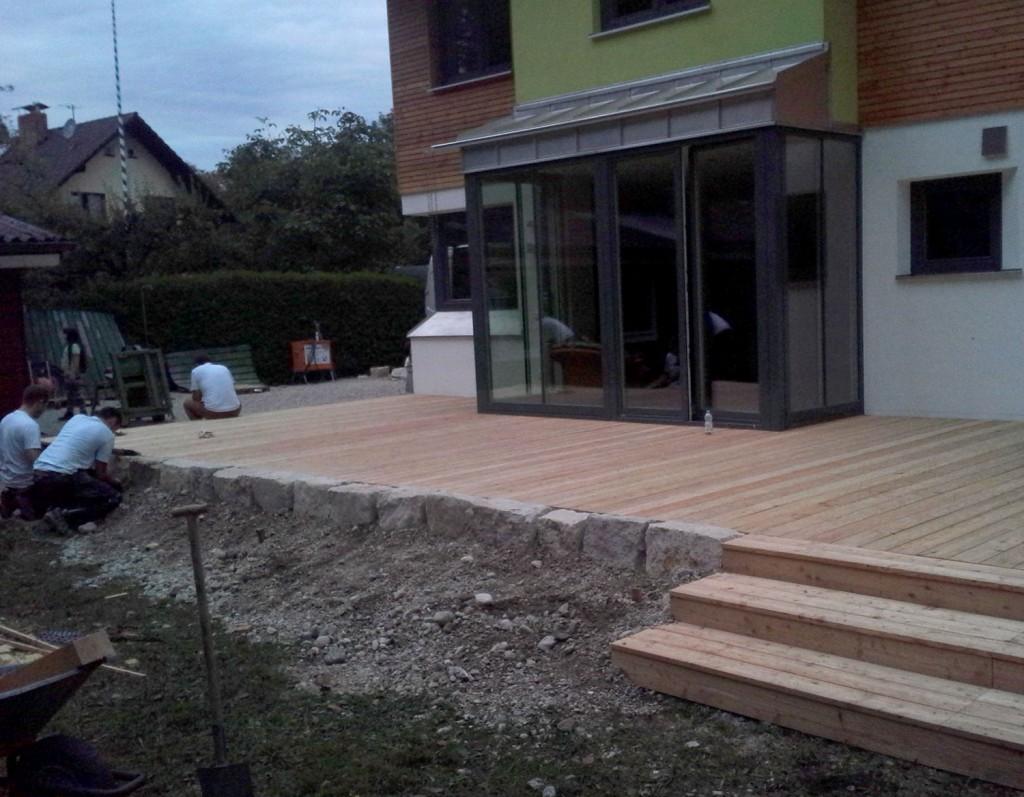 terrasse mit stufen zum garten mauern and treppen righini garten und landschaftsbau. Black Bedroom Furniture Sets. Home Design Ideas