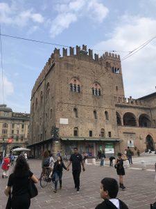 Palazzo del Podestà, Palazzo di Re Enzo e Torre dell'Arengo - travel to Bologna