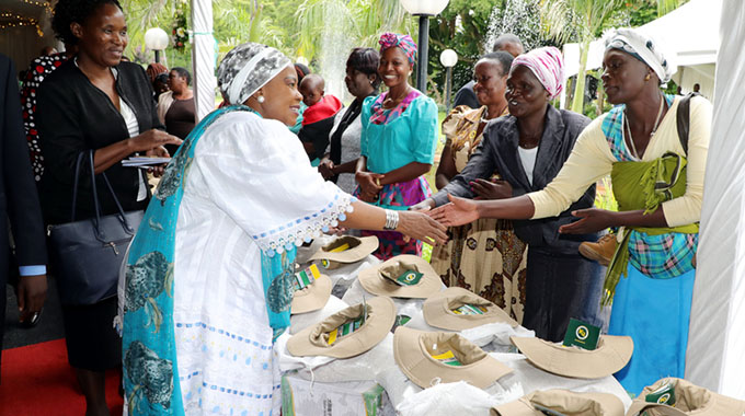 First Lady meets chiefs' wives