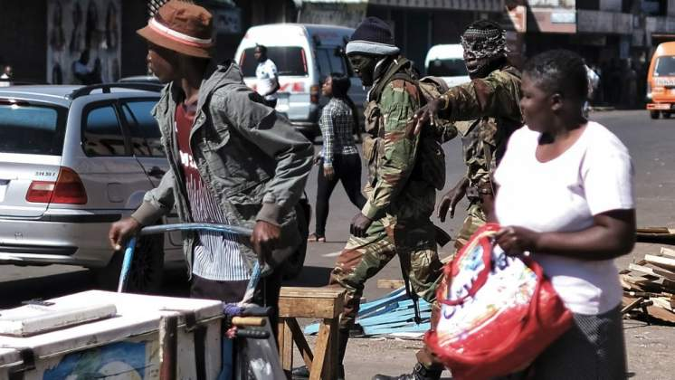 Mnangagwa bans soldiers from wearing camouflage outside barracks