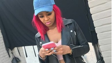 """Photo of Babes Wodumo Distances self from Twitter Account says """"It was Hacked"""""""
