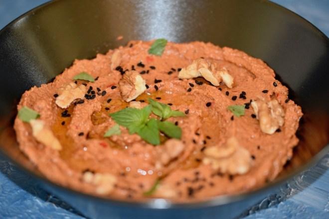 muhammara - dip - paste - orientalisch - türkisch - syrischevorspeise - libanesisch - granatapfel - vegan - glutenfrei - rezept - leicht