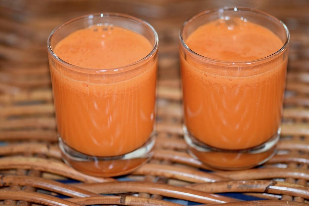 Rezepte: Smoothies & Getränke: Karottensaft mit Chili