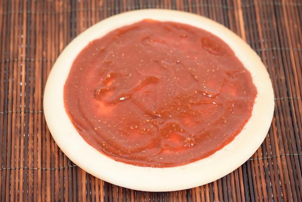 Rezepte: Dips & Saucen: fruchtige Tomatensauce auf Pizza