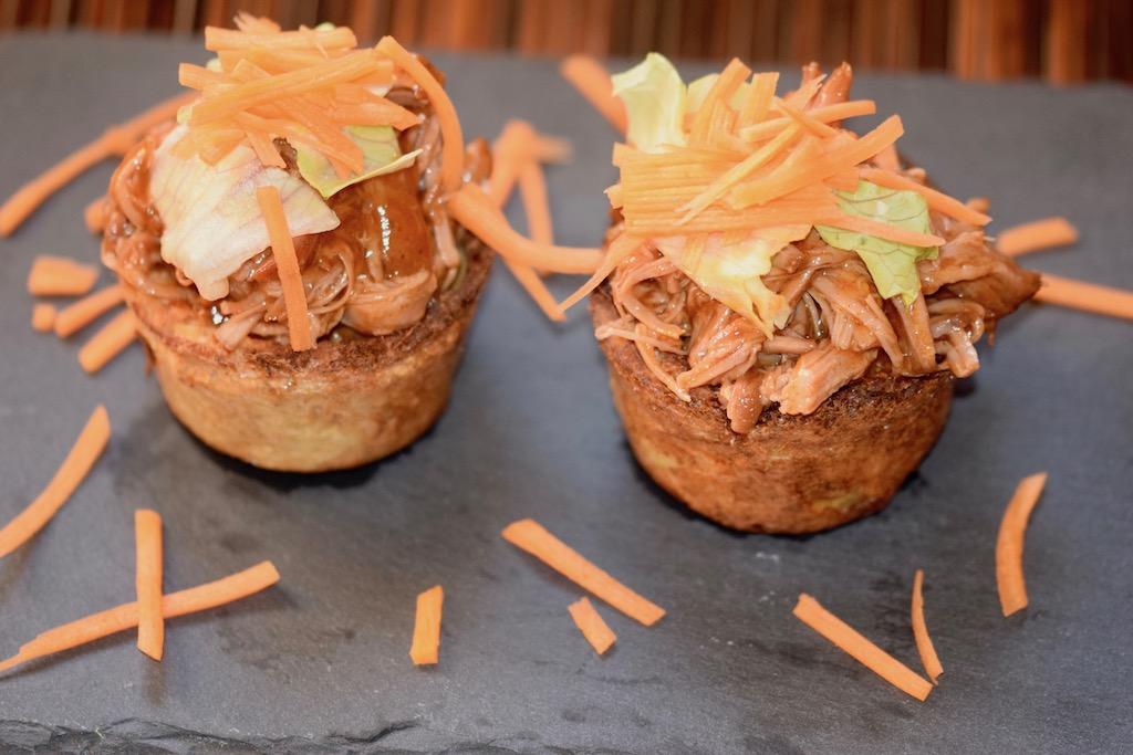 Rezepte: Hauptgerichte: Pulled Pork auf Kartoffelpuffer-Schälchen