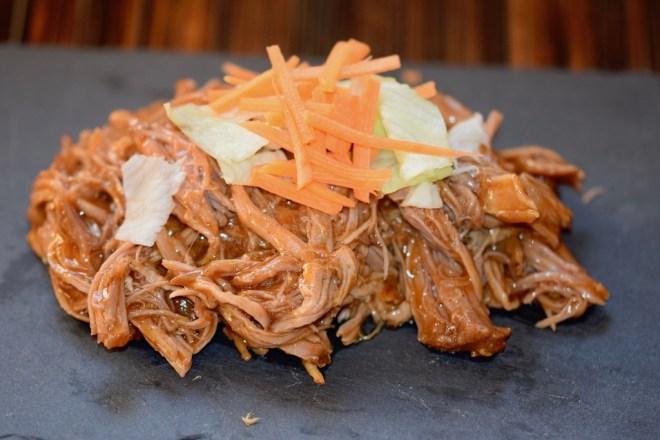 Rezepte: Hauptgerichte: Pulled Pork auf Schieferplatte