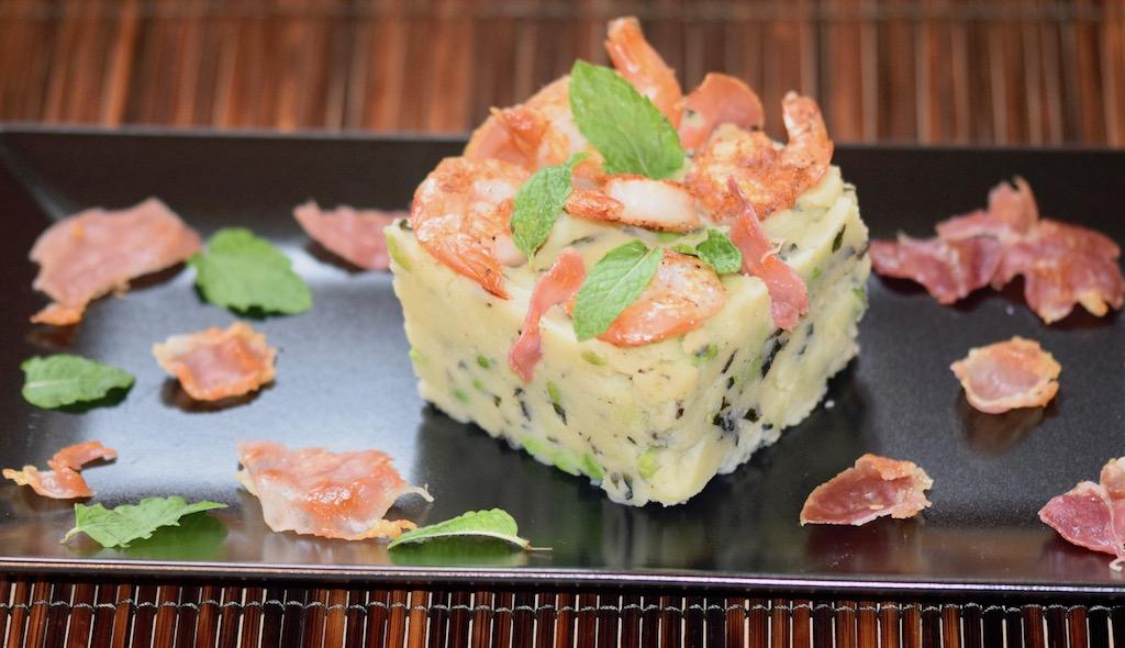 Rezepte: Hauptgerichte: Scampi auf Erbsen-Minz-Kartoffelpüree mit Schinken- Chips