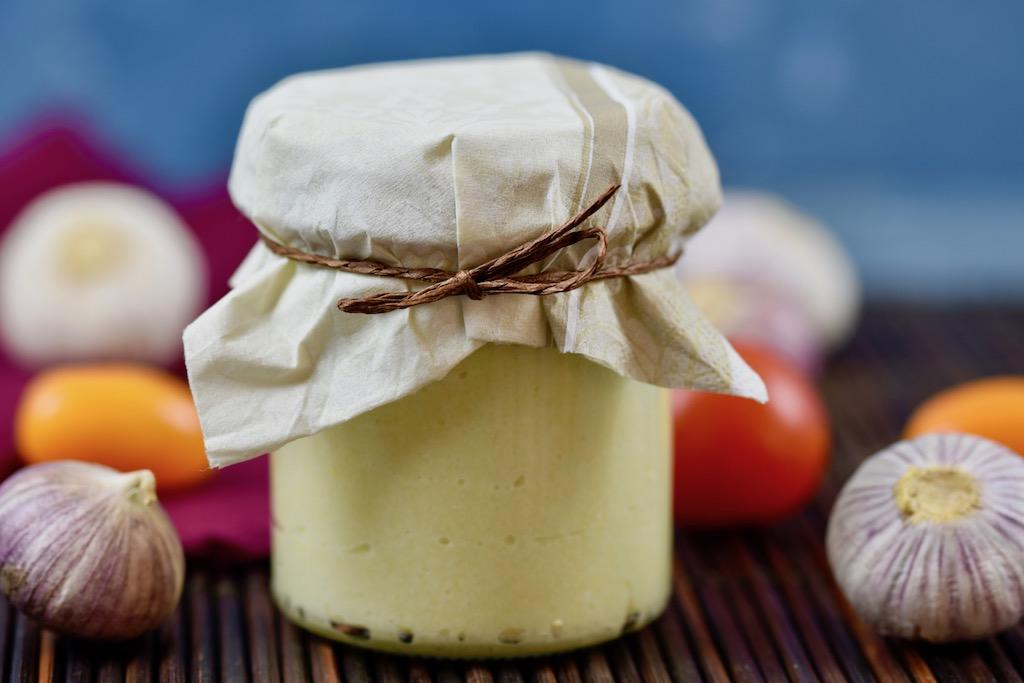 Knoblauchpaste mit Olivenoel selber machen - haltbar - einfach - schnell - Olivenoel - selber machen - Knoblauchpaste - Rezept - Clean Eating - ohne Thermomix