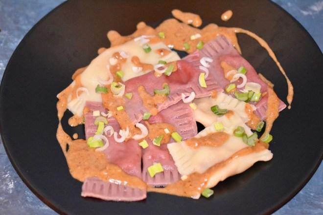 Kürbis-Ravioli mit thailändischer Curry-Sauce - Kürbis-Ravioli - Ravioli - thailändische Curry-Sauce - Thai-Curry-Sauce - Sauce - glutenfrei - vegetarsich - Rezept - selber machen - Raviolifüllung - Curry Sauce - schnelle Curry Sauce