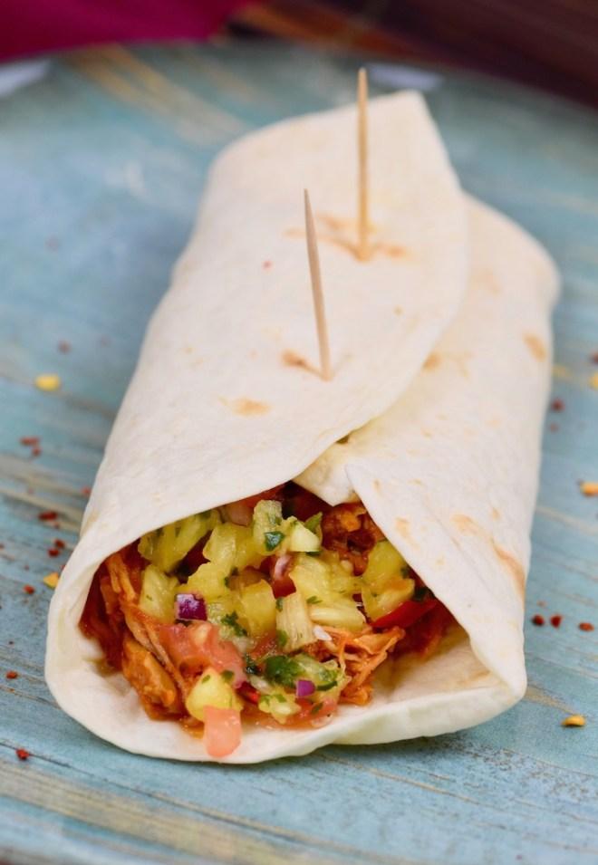 Burritos mit Pulled Pork und Ananas-Salsa - Burritos - Rezept - Pulled Pork - Ananas-Salsa - glutenfrei - mexikanisch - Wrap - Pulled Pork Gerichte - Fingerfood - Tex Mex - Slowcooker - Ofen