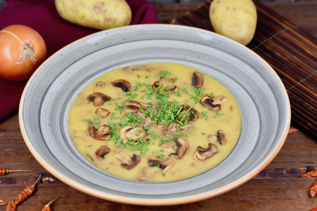 Cremige Kartoffelsuppe mit Hackfleisch und Pilzen – Rezept