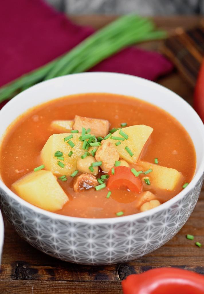 Hispano-Serbischer-Eintopf - Serbischer Eintopf - Bohnen - serbischer Bohneneintopf - Rezept - glutenfrei - Kichererbsen - Eintopf - Suppe - spanischer Eintopf - One Pot - einfach