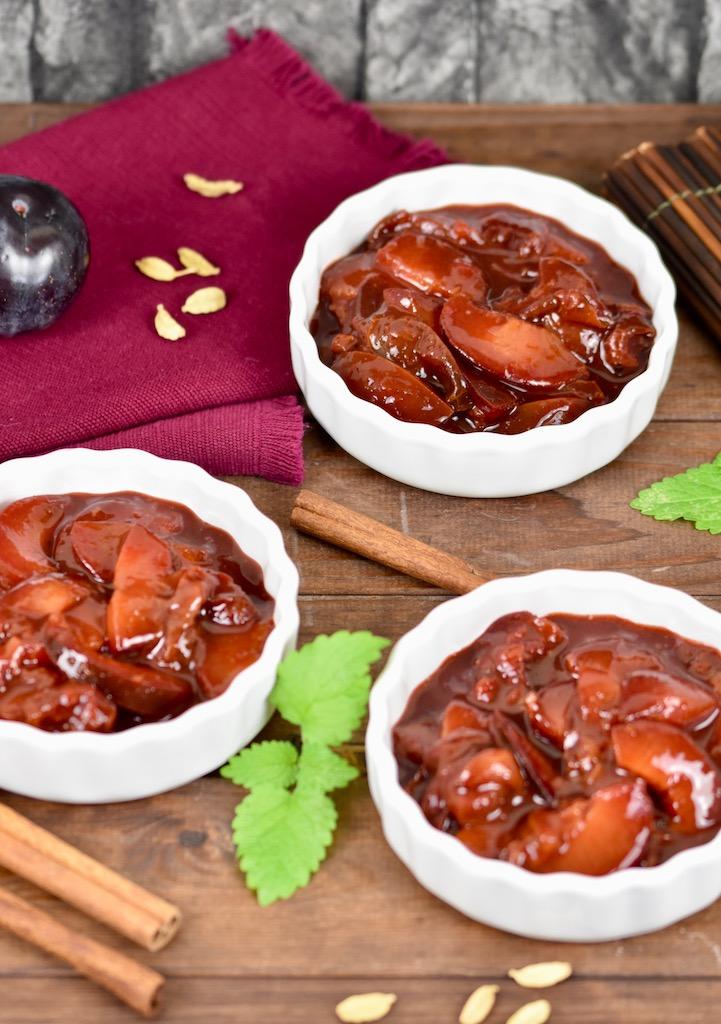 Zimtpflaumen - Rezept - Rotwein - Traubensaft - aus frischen Pflaumen - ohne Alkohol - Dessert - einfach - Pflaumenkompott - schnell - selber machen