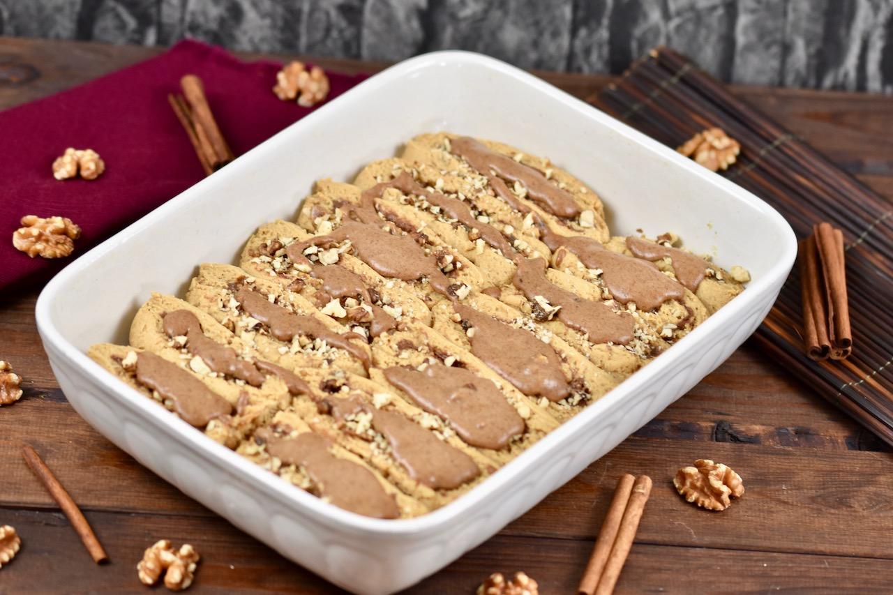 Glutenfreie Zimtschnecken mit Karamell-Walnuss-Füllung