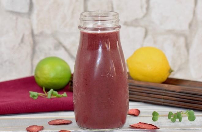 Blaubeer-Rotkohl-Smoothie - Smoothie - Rezept - gesund - abnehmen - roter Smoothie - Frühstück - mit Banane - selber machen - einfach - Frucht - Obst - Beeren